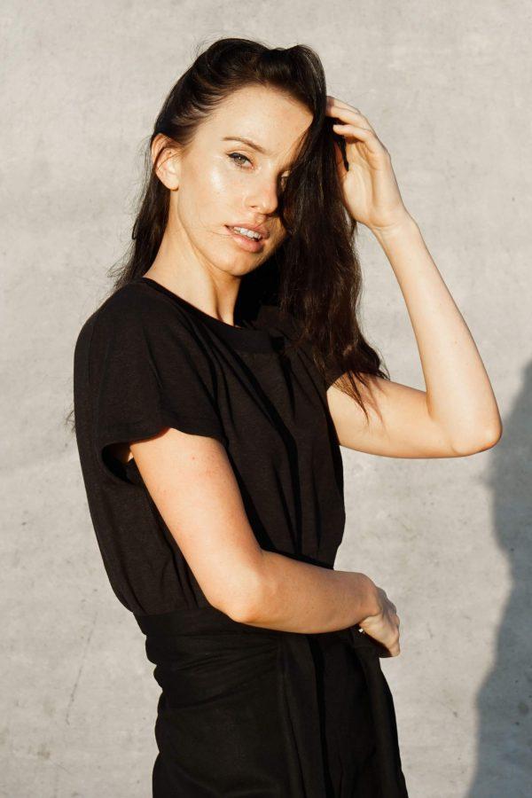 Kim Sassen Clothing Hemp T-Shirt Black Side